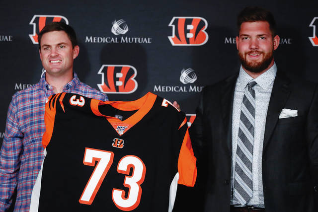 Bengals trade down, take tight end in second round | Ledger