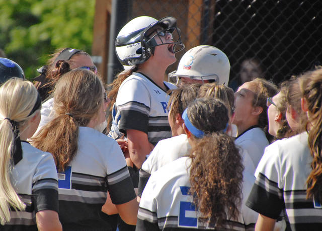 Fast start sends Lady Royals to four-peat