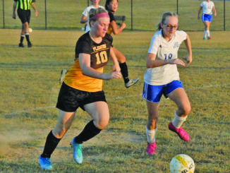 Applegate gets 100th goal, Lady Royals duo sets record